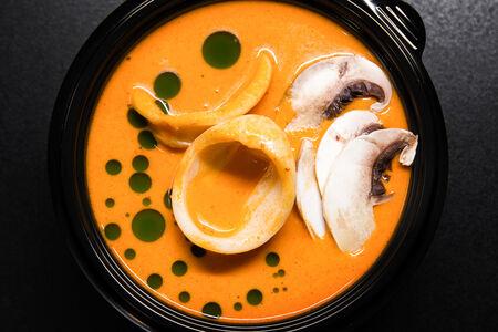 Суп Биск с кальмаром