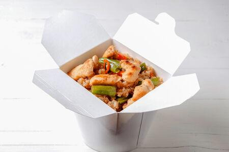 Вок Курица с рисом в соусе терияки