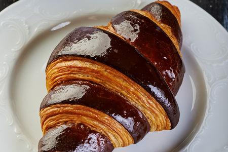 Круассан шоколадный