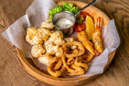 Ассорти хрустящих морепродуктов