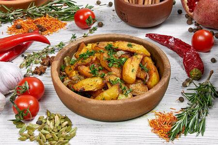 Картофель, жаренный по-домашнему с луком