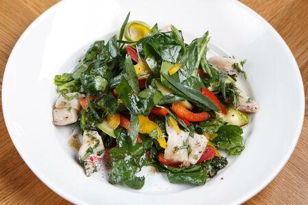 Кинзмари – салат из шпината, окуня и кабачков с заправкой из кинзы