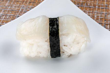 Суши Хотатегай нигири