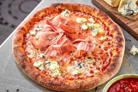 Пицца Парма и горгондзола