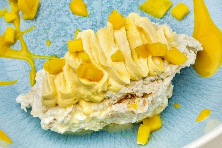 Пирожное Наполеон с манго