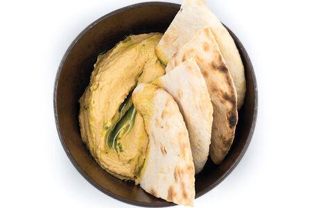 Хумус с пшеничной лепешкой