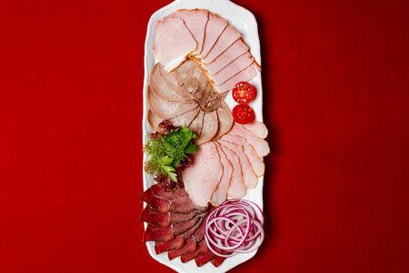 Мясные холодные деликатесы