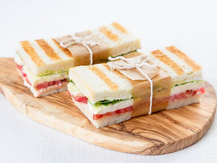 Сэндвич с моцарелой
