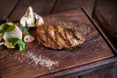 Филе-миньон стейк из диетического мяса