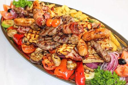 Месо плато Балкан гриль