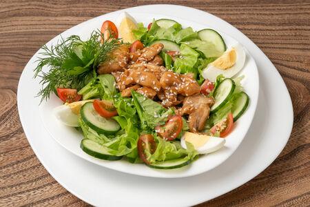 Теплый салат с курочкой в соусе терияки