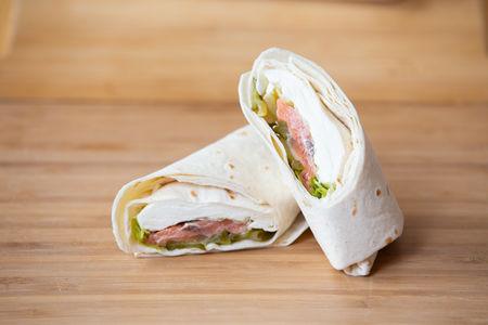 Ролл-сэндвич красная рыбка