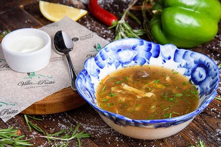 Суп с лесными грибами и домашней лапшой