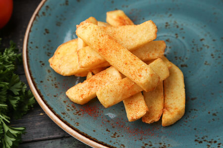 Картофель фри с копченой паприкой