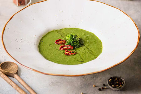 Суп-пюре  с брокколи и шпинатом