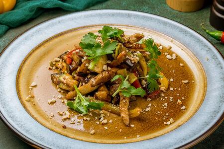 Теплый салат с индейкой и печеными овощами