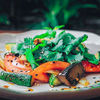 Фото к позиции меню Салат Овощи с соусом терияки