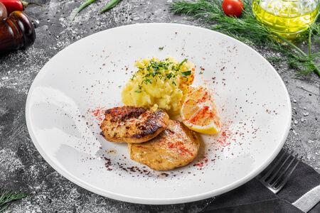 Рыбная котлета с картофельным пюре