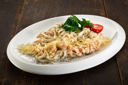 Удон со сливочным лососем