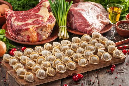Пельмени со свининой и говядиной
