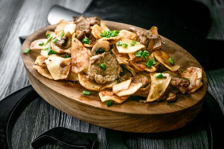 Картофель по-домашнему с телятиной