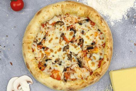 Пицца эгоист с курицей и беконом
