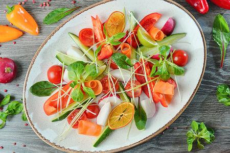 Ассорти из овощей со свежей зеленью