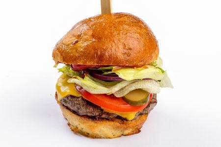 Бургер с домашенй котлетой