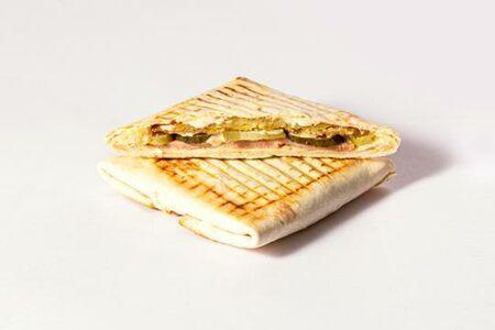 Питерский тост с драником и ветчиной