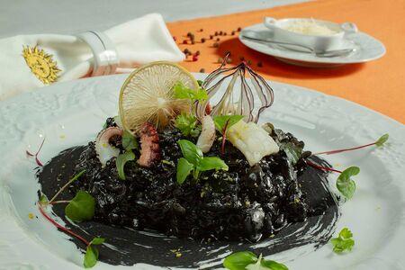 Ризотто из каракатицы с осьминогом
