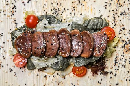 Салат с языком и соусом терияки
