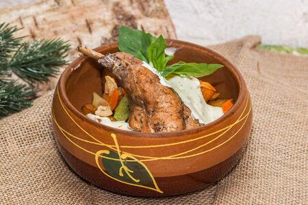 Кролик в белом соусе