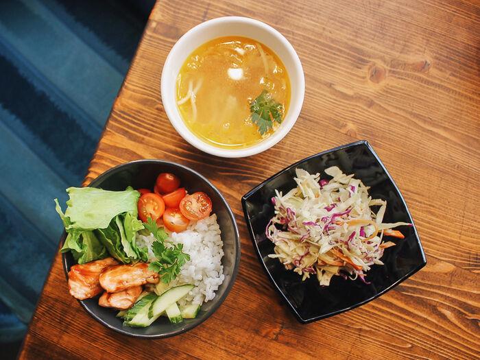 Ланч Боул с супом и салатом
