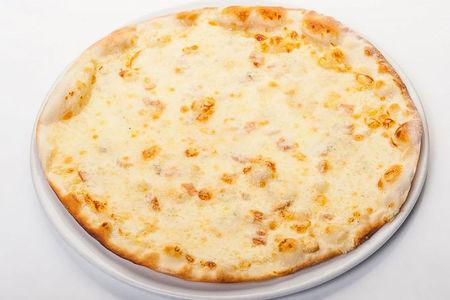 Пицца Куаттро формаджи