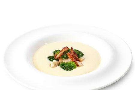 Сырный суп с индейкой и брокколи