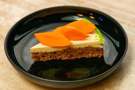 Морковный пирог с хурмой
