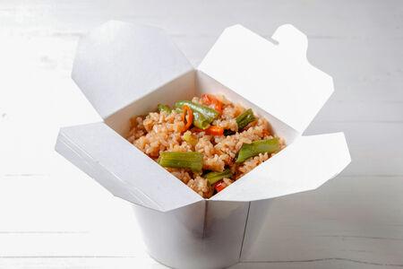 Вок Овощи с рисом в соусе терияки