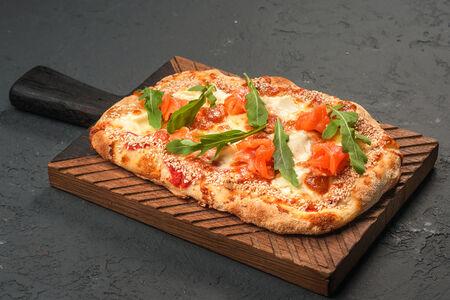 Пицца Скандинавская с лососем