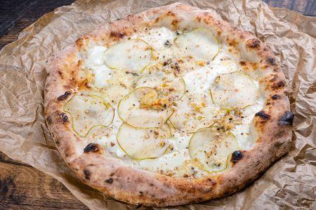 Пицца Наполи Горгонзола с грушей