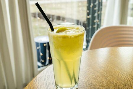 Яблочный лимонад