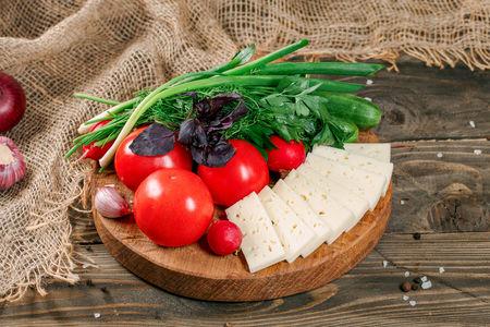 Овощная корзина с сыром Чанах