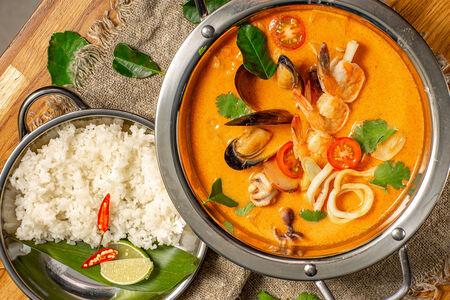 Суп Том ям  Северный Таиланд с морепродуктами