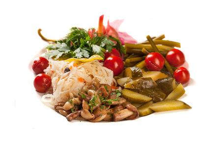 Тарелка домашних солений