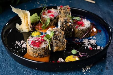Ролл Темпура с креветкой и тайским соусом