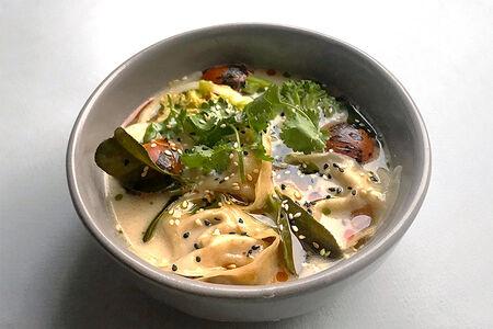 Суп Тайский кокосовый с овощными вонтонами