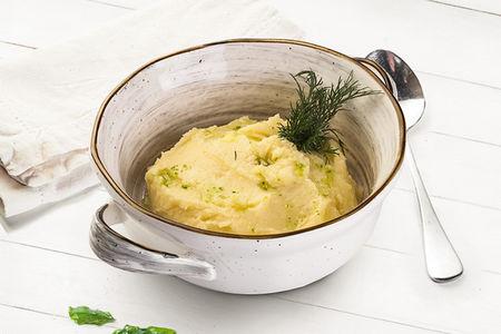 Картофельное пюре с зеленым маслом