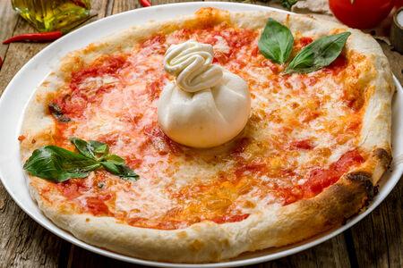 Пицца Руккола и буррата