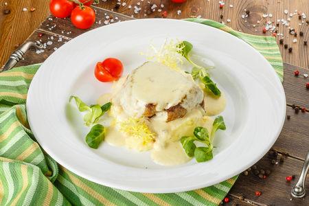 Нежное филе говядины с соусом дорблю