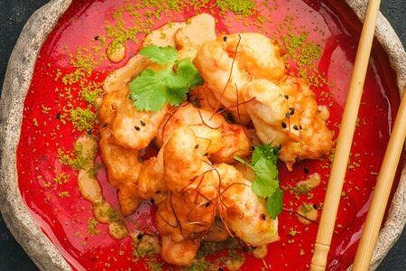 Краб в темпуре с соусом Том Ям