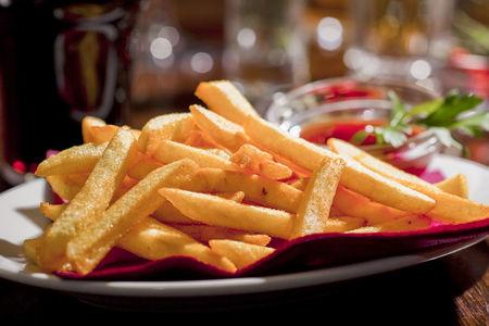 Картофель фри с томатным соусом
